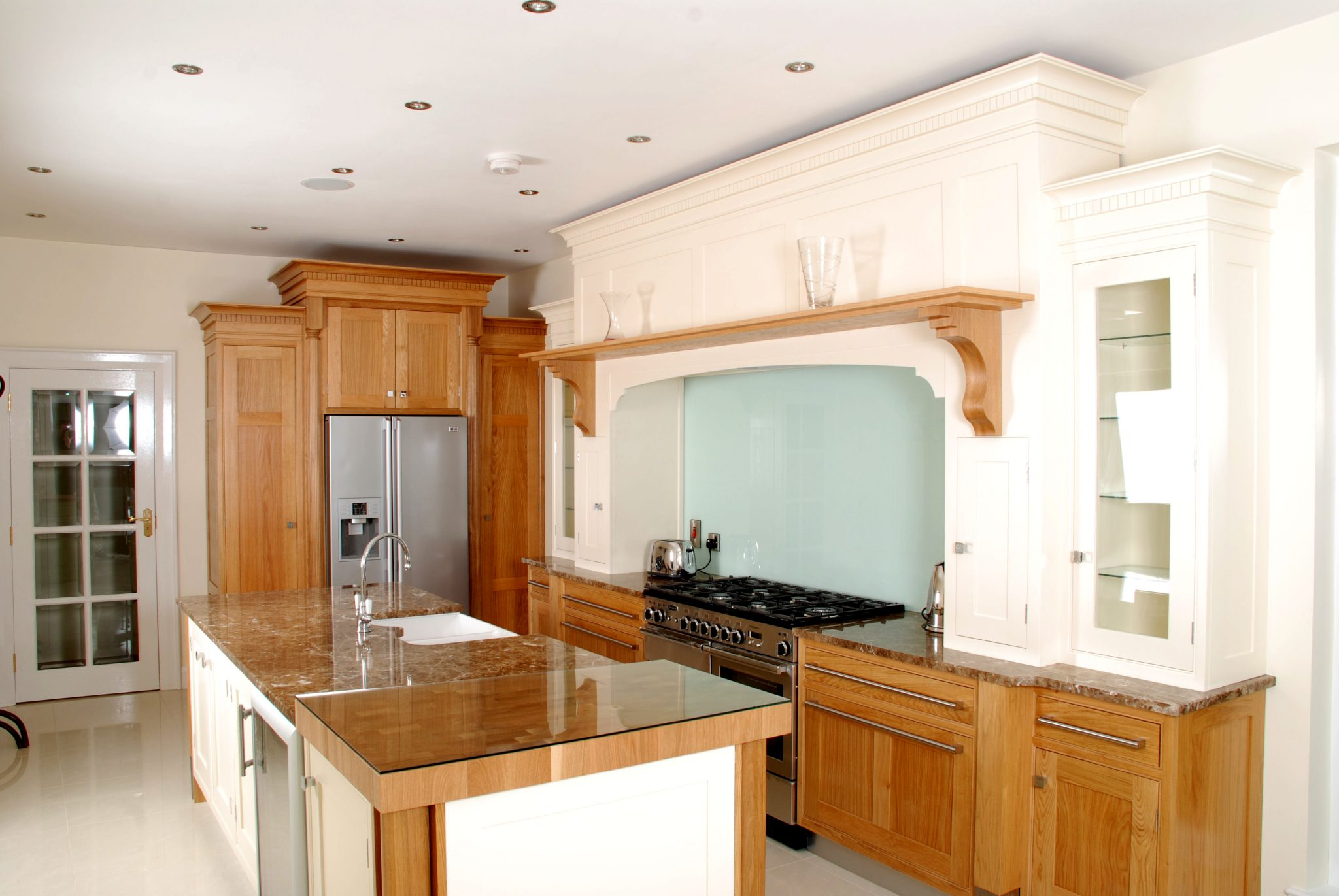 Luxury Contemporary White & Pine Oak Kitchen design | McGowan Brooks | Northern Ireland & Republic of Ireland