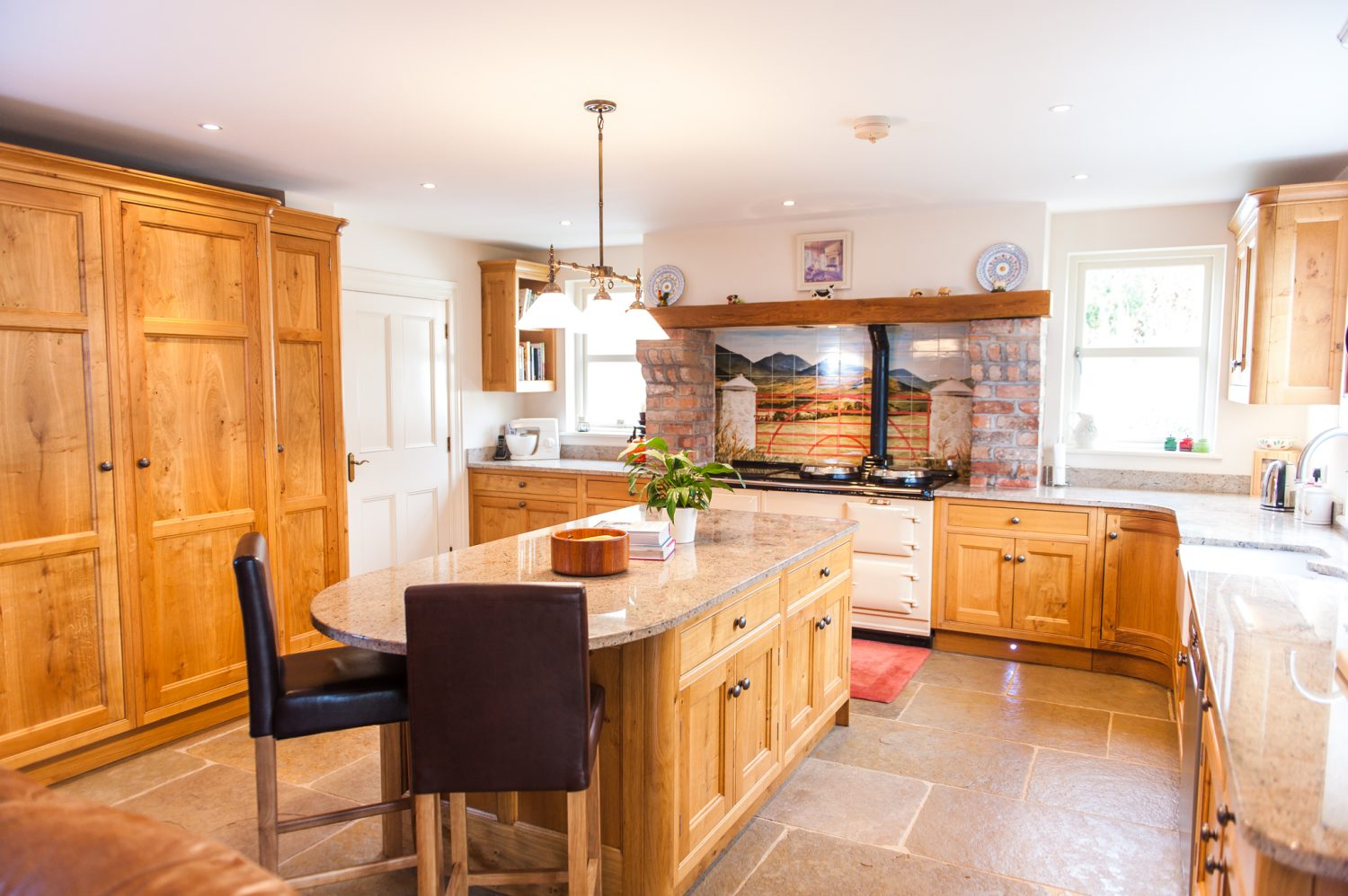 Classic Oak Kitchen | McGowan Brooks | Northern Ireland & Republic of Ireland